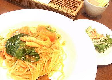 蟹と小松菜のトマトオイルパスタ_HARBS.jpg